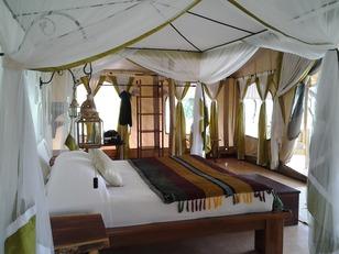JoysCAmpbedroom